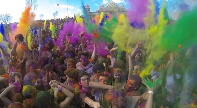 holi by Parker Walbeck Holi slow motion with crowd - saved by Chic n Cheap Living